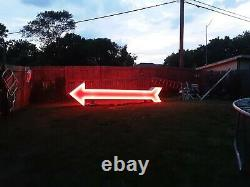 Excellent vintage WORKING Double sided Neon Arrow 14' x 3.5' x 1.5