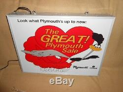 Double Signe Allumé De Publicité De Mopar De Signe De Publicité De Coureur De Route De Plymouth Excellente
