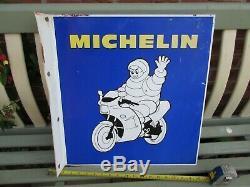 Enseigne Double Face Michelin Bibendum De Motocyclette Des Années 1970, 19 X 18 Po