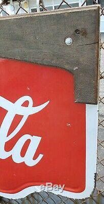 La Porcelaine Double Face De Cru De Coca-cola A Découpé Le Signe De Signe Jaune De Bouteille Boutons De Bouteille 1939