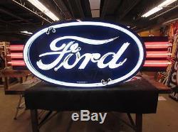 Nouvelle Enseigne Ford Double Face Avec Ailes Au Néon, 8 Pieds De Large X 36 Haut