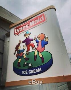 Signe De Publicité Double Face De Magasin De Métal De Crème Glacée De Cru De Lyons Maid