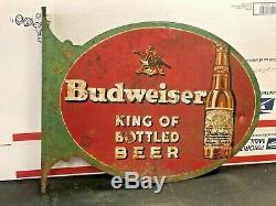 Signe En Métal Double Face Budweiser Des Années 1930 Roi De La Bière En Bouteille