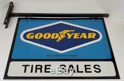 Vintage Goodyear Tire Sales Dealer Double Face En Métal Connexion Avec Support Man Cave