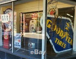 Vtg Originale Années 1940 Pneus Goodyear Double Face 10 Pieds Gaz Huile Porcelaine Signe